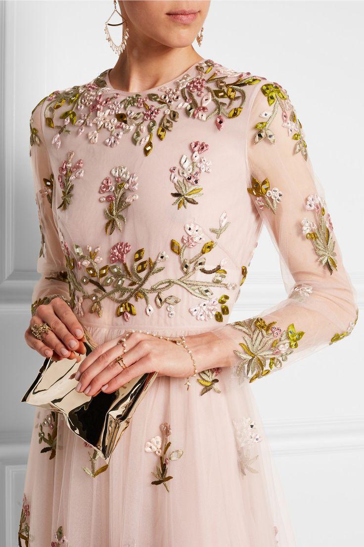 Valentino|Robe longue du soir en tulle à broderies et ornements|NET-A-PORTER.COM