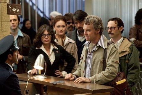 映画アルゴ、イラン脱出する緊迫のシーン。