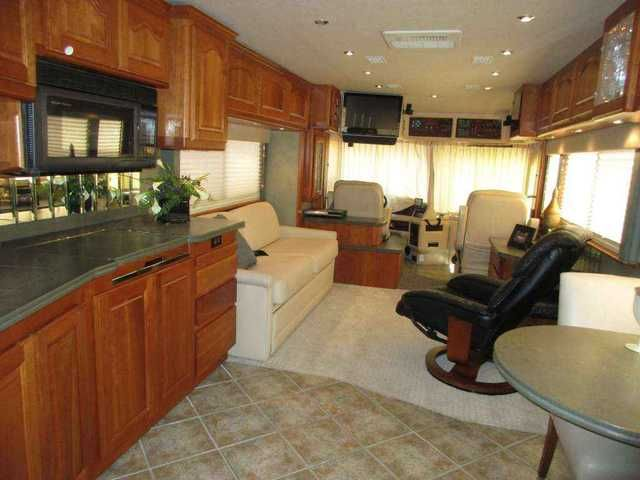 2002 Used Country Coach Affinity 42ft Super Clean Chris Peeler Class A in Texas TX.Recreational Vehicle, rv, 2002 Country Coach Affinity 42ft Super Clean Chris Peeler Special Chris Peeler Special 2 Slide/42ft/505 CATT 2002 Country Coach Affinity 42ft with 2 slide outs. This true luxury coach is powered by a C15 Catepillar diesel engine with 505 horsepower with only 62,000 miles. All this power is paired with a smooth shifting 6-speed Allison automatic transmission.This great handling coach…