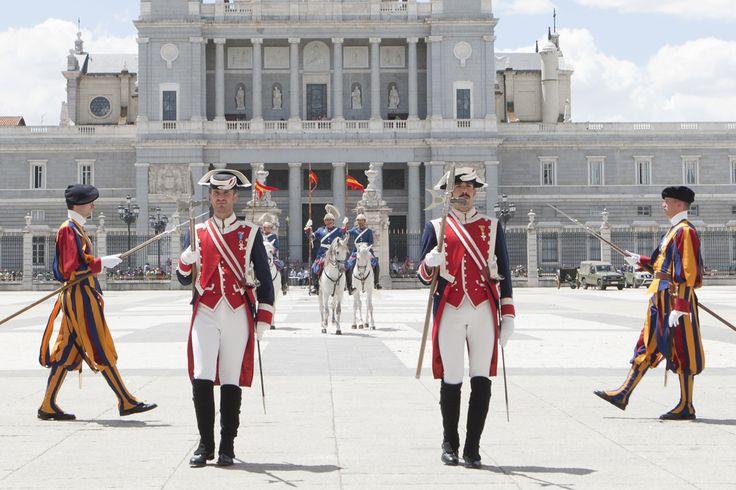 Colaboración de la Guardia Real con diferentes guardias reales y guardias presidenciales