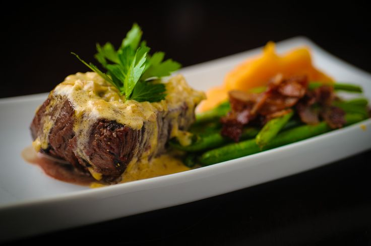 Filet Mignon, Grapefruit Beurre Blanc, Sauteed Green Beans with Pancetta and Carrot & Potato Puree Ingredients to use; Whole Beef Tenderloin, Grapefruit Juice, Sherry, Green Beans & Carrots