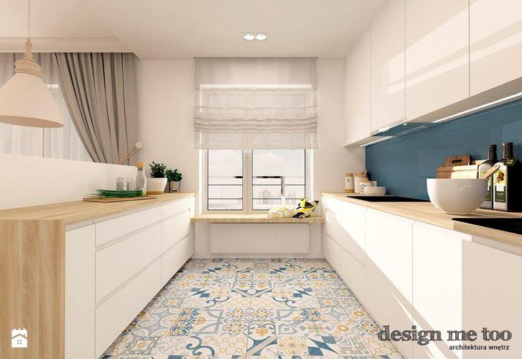 płytki w kuchni na podłodze