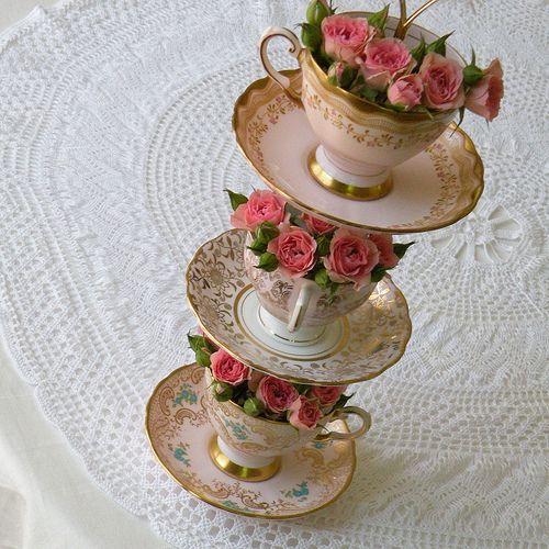 Unique teacup tower centrepiecesFloral Centerpieces, Flower Towers, Teas Cups, High Teas, Vintage China, Teacups, Vintage Tea, Teas Parties, Center Piece