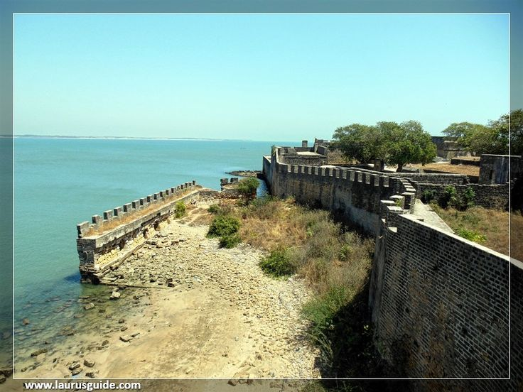 A perfectly semicircular beach with calm waters and white sand, the best beach you can visit in Daman and Diu. Nagoa beach is located near the village Bucharwada. The beach is relatively less crowded and boasts of its blue and clear waters. One can enjoy the fun of water sports on this beach and it is perfect for swimming as well. Be it a casual stroll, a volleyball match with friends or just a nap under the palm trees.