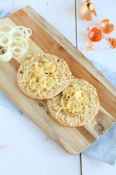 Kaas uien havermoutbroodjes. Een makkelijk, snel en gezonde lunch of een lekker broodje voor bij soep.