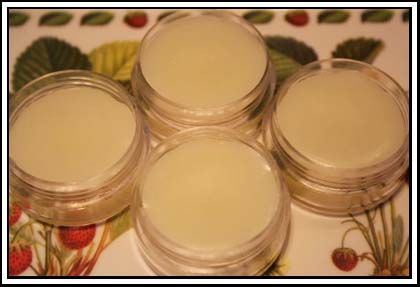 A delightfully rich, but not oily, lip balm. Make up a gift pack with last week's hand cream for your Mum for Mothers day. Takes only a few minutes to make and lasts for a long time. Spend some mother-children time and make this for the next children's market day at school.