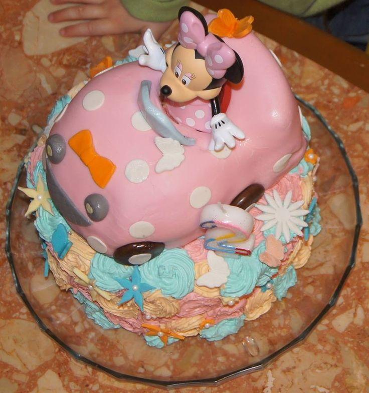 Gâteau Minnie, coloré, avec des fleurs