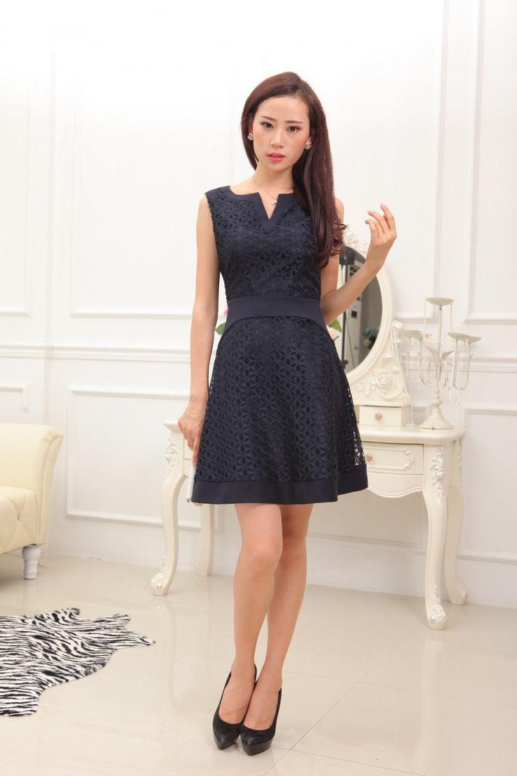 robe patineuse bleue marine en dentelle de la boutique letlui sur etsy rhn pinterest robe. Black Bedroom Furniture Sets. Home Design Ideas