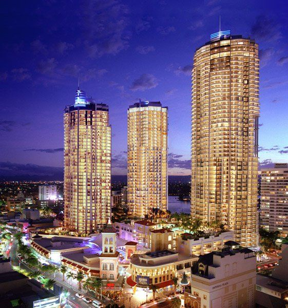 I Love Schoolies - The Towers of Chevron Renaissance - Surfers Paradise Schoolies Accommodation