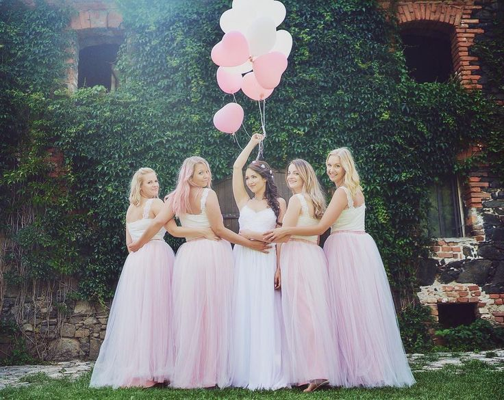 Another picture from my best friend's wedding  #pink #wedding #braidmaids #bride #ballons #heart #girls #czechgirls #czech #weddingtime #l4l #like4like #likeforlike #pictureoftheday