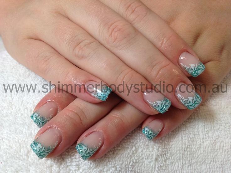 nails glitter fades