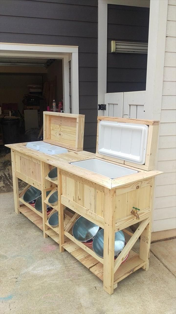 Pallet Ice Chests With Bucket Rack Wooden Pallet Projects Wooden Pallet Crafts Pallet Furniture Outdoor