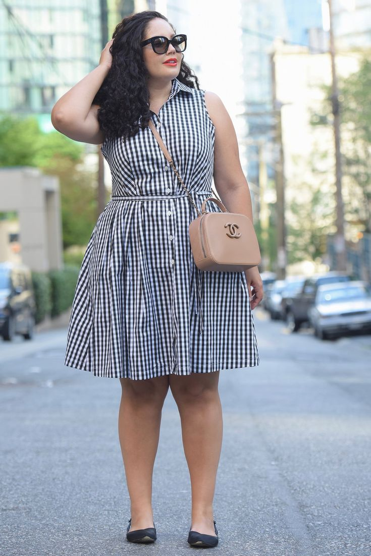 4357933a60d HOW TO PULL OFF SKIRTS AND DRESSES WITH FLATS via  GirlWithCurves  tips   curvystyle  curvyfashion