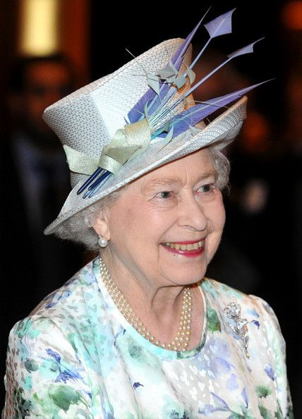 Queen Elizabeth II Photos - Royals Visit Abu Dhabi - Zimbio