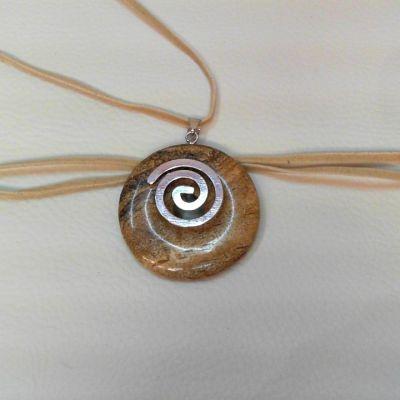 Colier, donut, jasp peisaj | Matilda Creations Făcut din: jasp peisaj (donut 40 mm), cu fir de piele