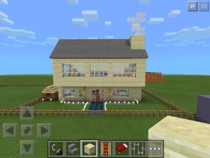 My First Minecraft Pe Modern House It Kinda Looks Like A Colonial Tho