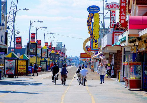 Jersey's Boardwalks - Wildwood | Wildwood has Morey's Piers - 5 of the largest amusement piers in the world, dozens of games, food stands, water parks, roller coasters, and more than 100 rides and attractions for those who want a side of thrill with their beach.