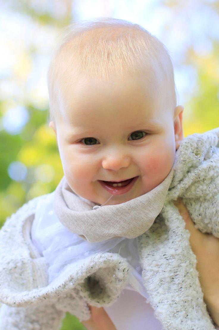 Over kwijlenGemiddeld krijgen baby's zijn of haar eerste tandjes wanneer ze tussen de 5 en 9 maanden oud zijn. Vaak komen eerst de onderste snijtandjes door, vervolgens de twee middelste boven snijtanden, gevolgd door de tanden aan weerzijden daarvan.
