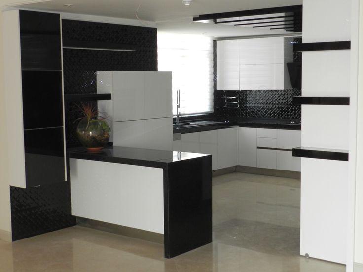 Black&White Modern Tuch Kitchen