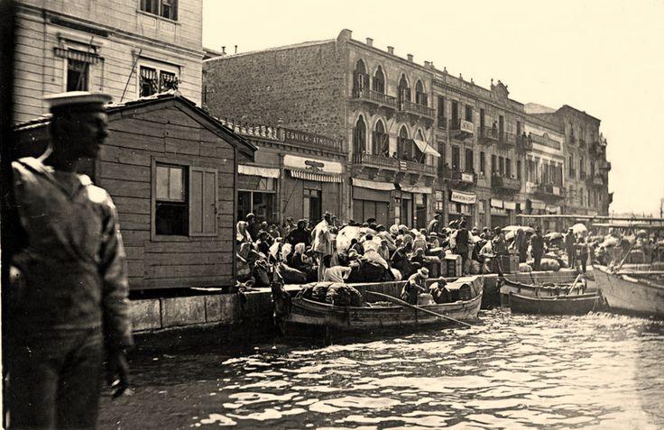 7-8 Eylül 1922 Rumlar İzmiri terkediyor