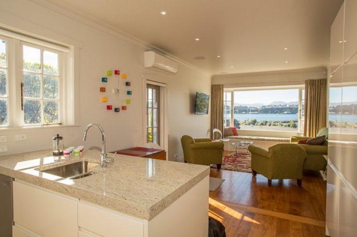 Evans Bay Villa, Luxury House in Wellington, New Zealand | Amazing Accom