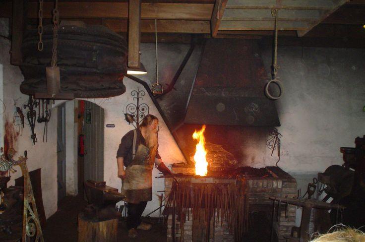 Smidse 2 - Kézi kovácsolás – Wikipédia