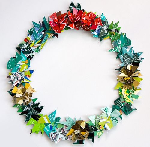 Non-traditional Wreath   20 Creative Credit CardDIYs