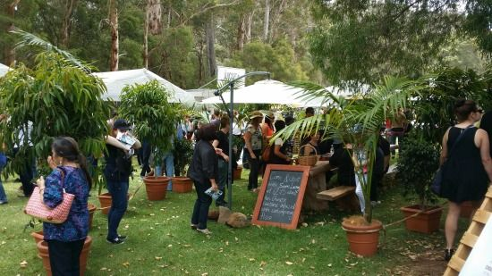 Foodie things to do in Margaret River. The Margaret River Gourmet Escape - ZigaZag