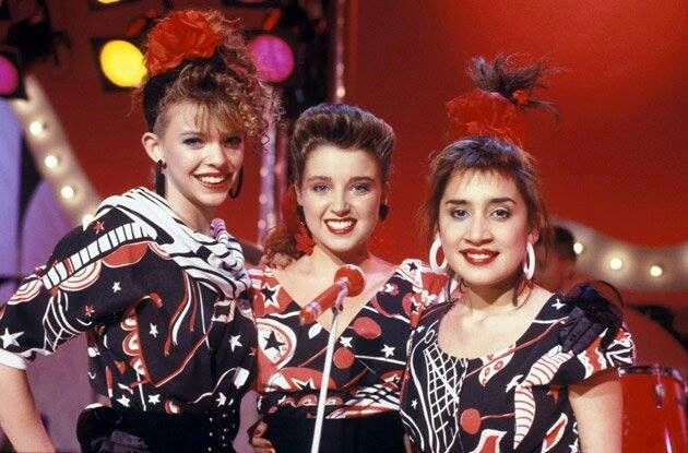 Lovely pic of Natalie, Danii, and Lorena. Three fresh faced young beauties and some of my idols of YTT
