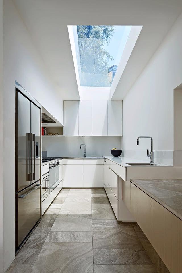 Coy Yiontis Architects 的作品,絕佳光影好宅的增建。 位於澳洲的維多利亞式格局,房屋的面積並不是很大,講究採光通風的住家刻意把內外空間整合在一起,營造寬廣格局的好宅。 via Coy Yiontis Architects