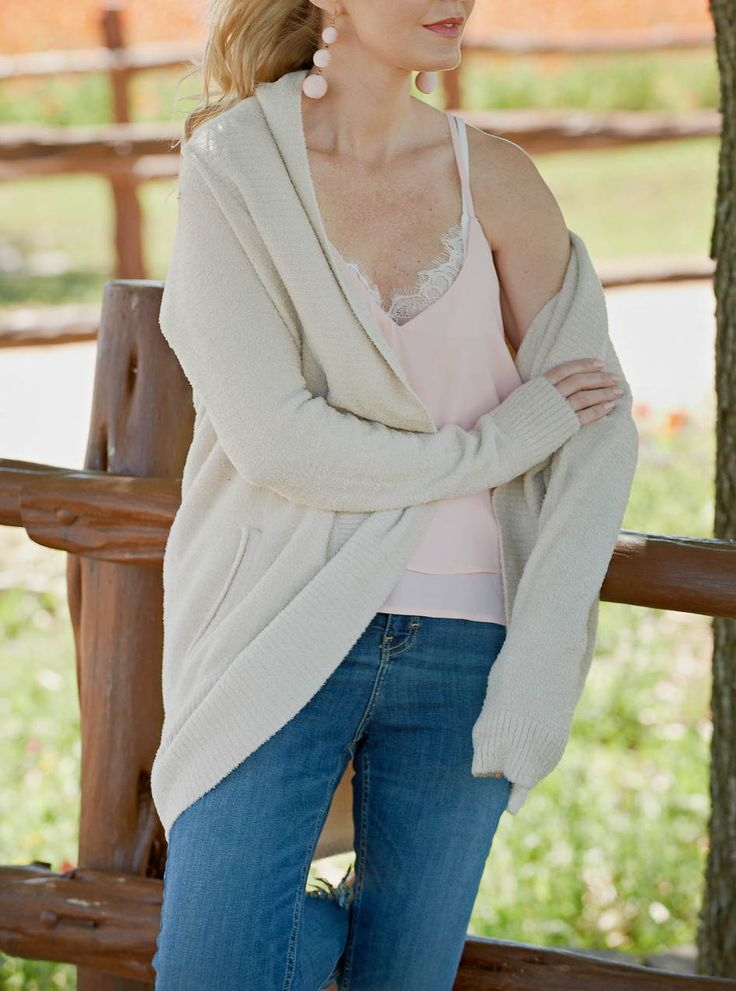 Love having such versatile neutral cardigan! Can be worn with dresses and pants, and has pockets for hands on chilly days, and to keep your hands phone free!
