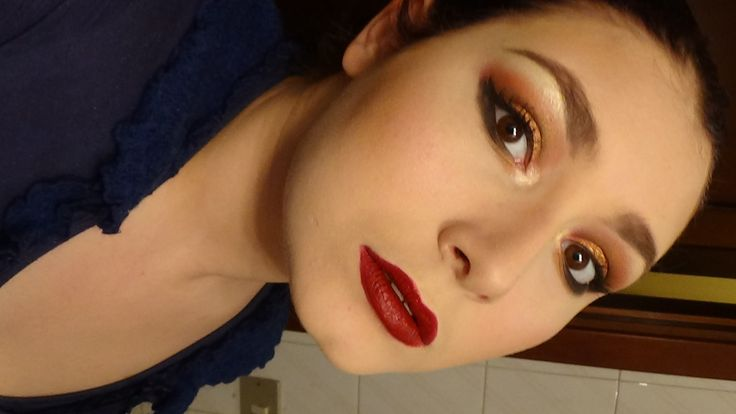 "GRWM - Glamorous ""Stay Bronze!"" Smoky Makeup with Dark Red Lips"