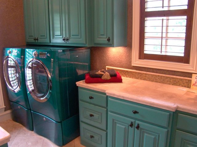I Want A Fun Brightly Colored Laundry Room Like This One