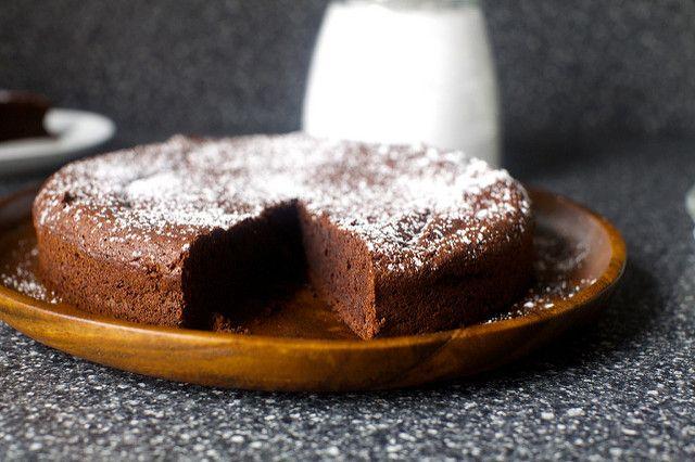 valerie's french chocolate cake – smitten kitchen