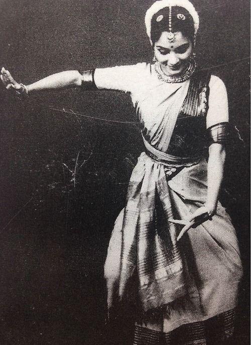 Bharatanatyam http://www.pinterest.com/habdulila/shakti/