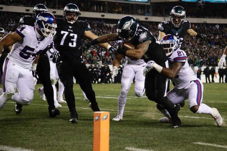 Giants vs. Eagles (Round 2) - It was tough to watch but in the end Giants lost to the Philadelphia Eagles this time. We beat them last month in November. Final score: 24-19. Giants are now 10-5. (12/22/16)