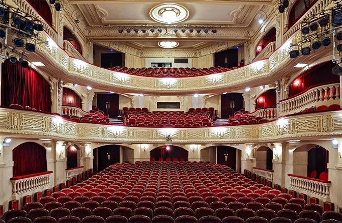 All Things French French Theatre English Speakers Paris At Night Paris Nightlife Paris Travel