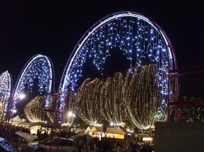 Risultati immagini per allestimento luci natalizie torino