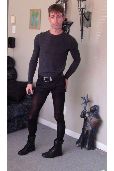 Man who wears pantyhose