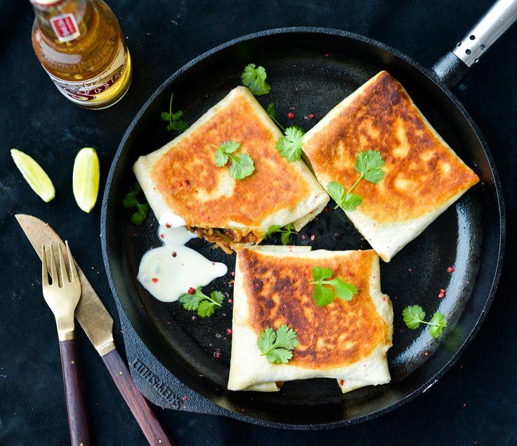 Sprøde tortillas med krydret kylling