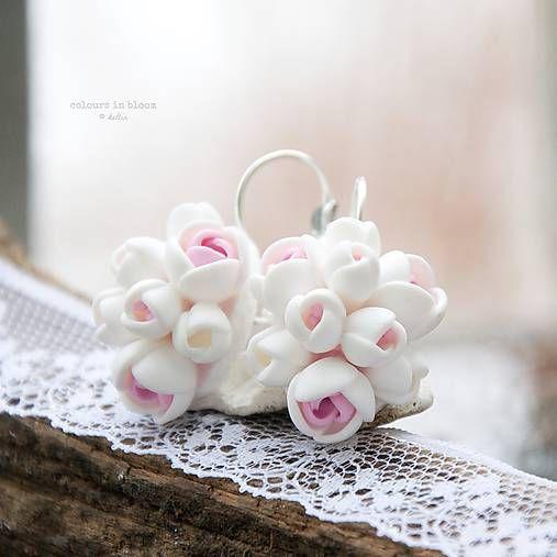 ketlin / nežnosť v ruži ukrytá - zatvárateľné kvetinkové náušnice