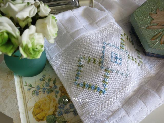 Straight stitch embroidery