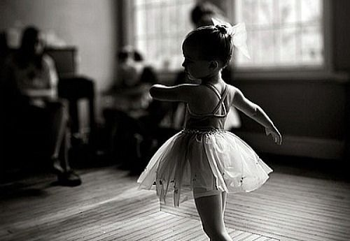 the petite ballerina...reminds me of my three little ballerinas (great nieces) Emilee,Halie, and Macie.