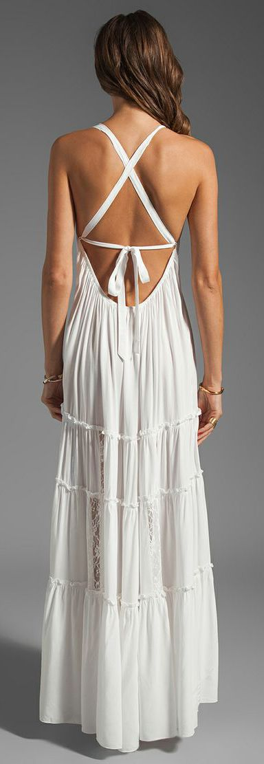 such a pretty summer dress... wear it to the pool or on the beach