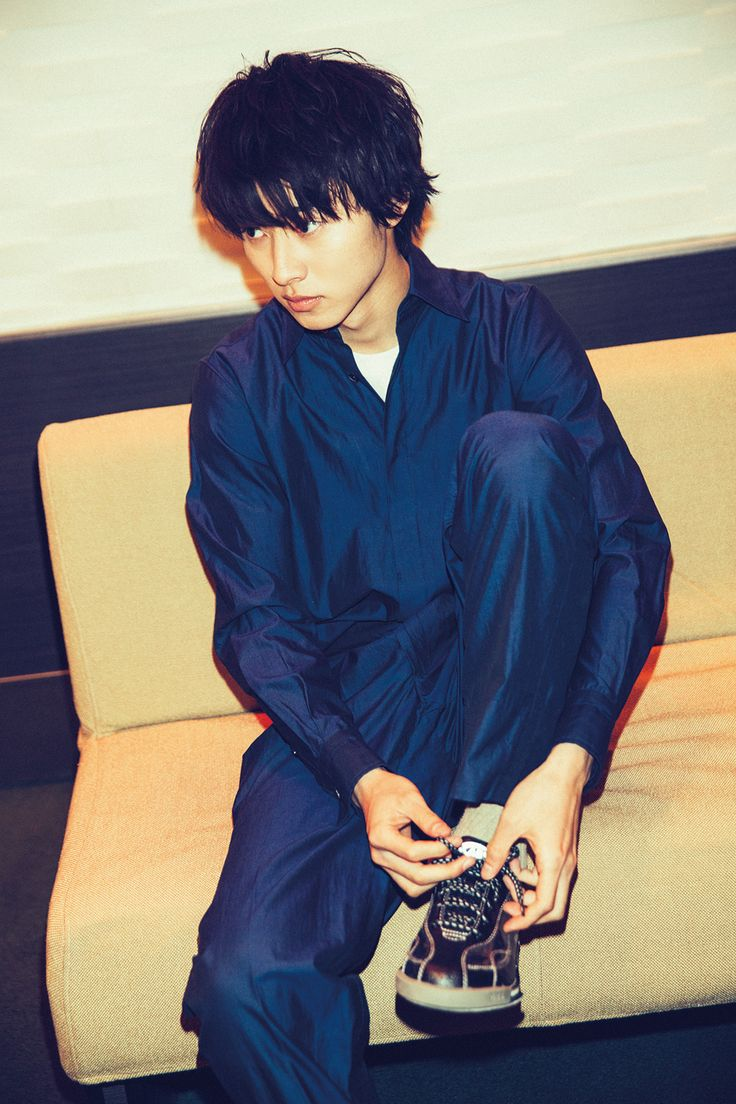 "Kento Yamazaki, ""Bowling"", The Television #19, 2015 https://www.youtube.com/watch?v=7dXX4MI8sAc"