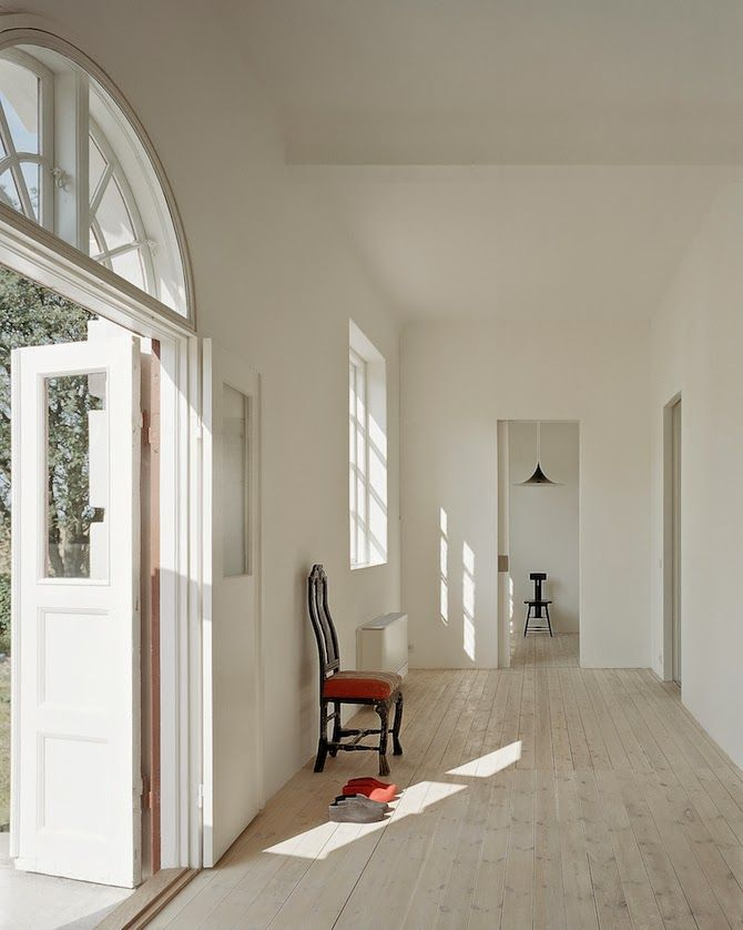 White interior inspiration | Råman House by Claesson Koivisto Rune | Photograph courtesy of Claesson Koivisto Rune