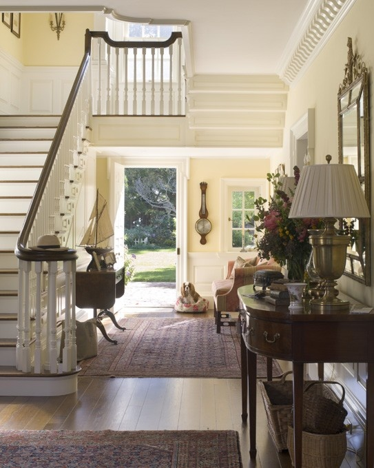 I love the classical yet fresh and current feeling of this Georgian house By Andrew Skurman Architects-