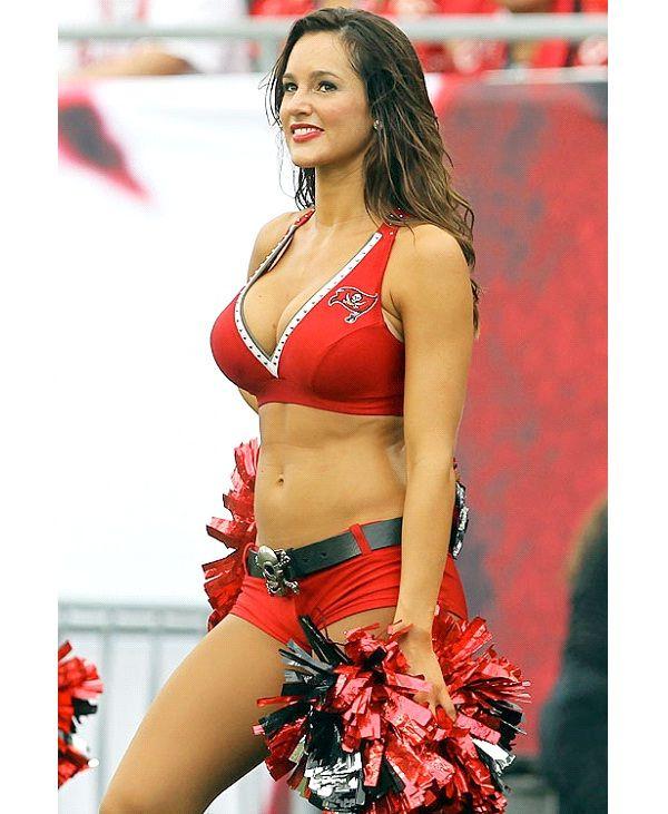 Enjoy the sexiest nfl girl this playooff seaason too - 2 1