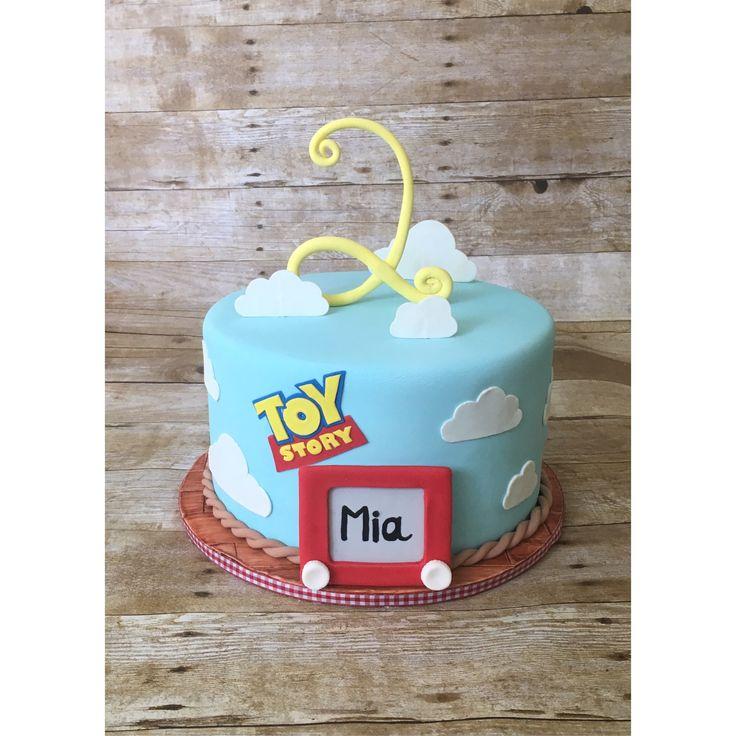 Toy story birthday cake ☁️ @bakeup__