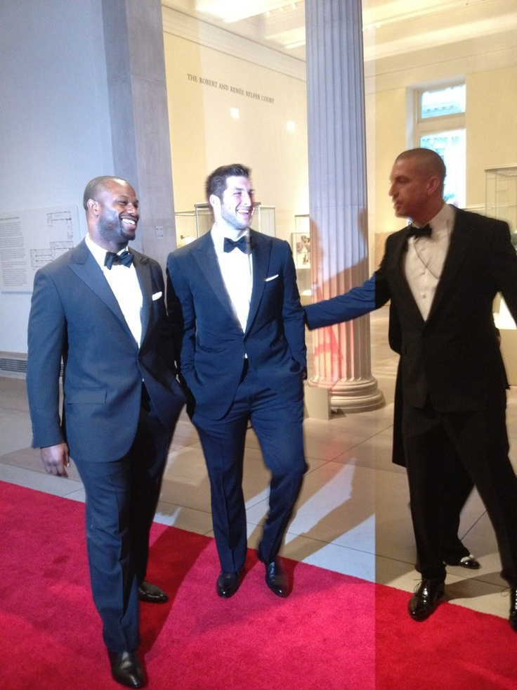 Bart Scott and Tim Tebow at the Met Gala (May 7, 2012)